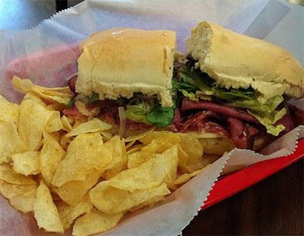 Vanellis-Deli-Sandwich