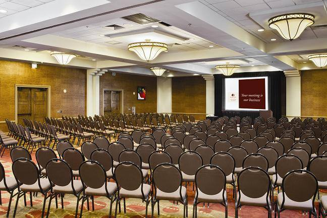 DoubleTree-By-Hilton-Memphis-Downtown-event-space
