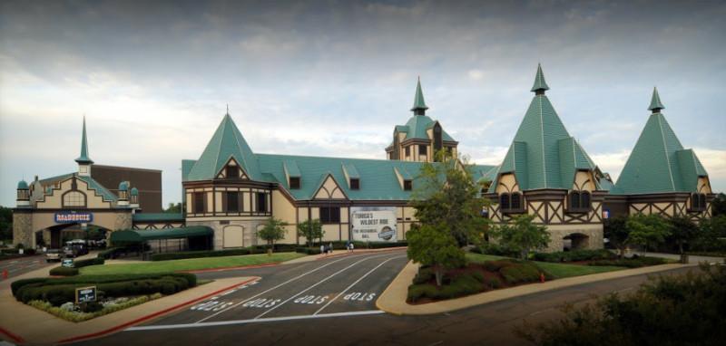 Tunica-Roadhouse-Casino-Hotel-Outside-4-17-2017-4-29-28-PM