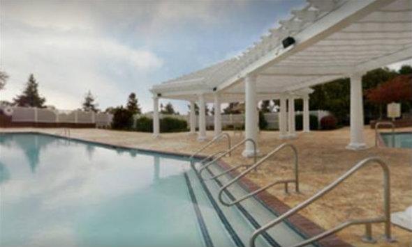 Tunica-Roadhouse-Casino-Hotel-Swimming-Pool-4-17-2017-4-45-23-PM