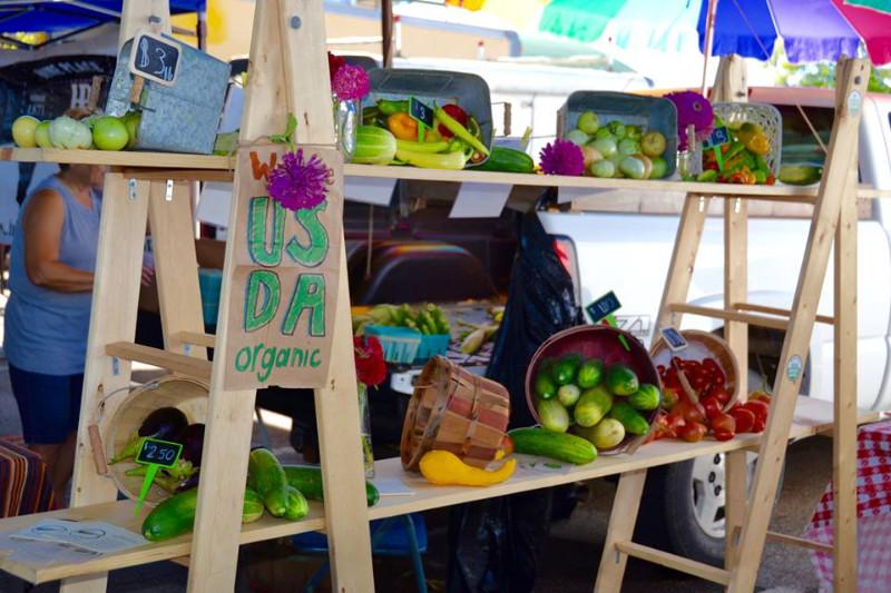 Memphis-Farmers-Market-fresh-vegetables