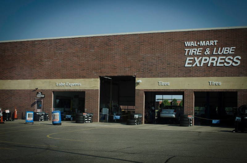 Walmart-Tire-and-Lube-Express