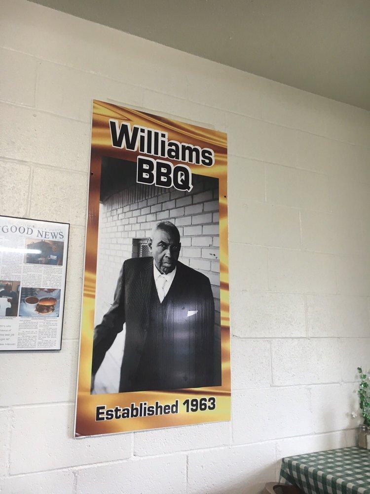 Williams-bar-b-q-signage